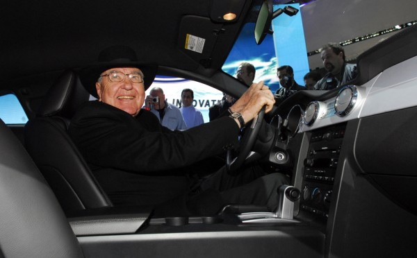 Carroll Shelby shows off the 2006 Shelby GT-H Mustang during the New York International Auto Show in 2006