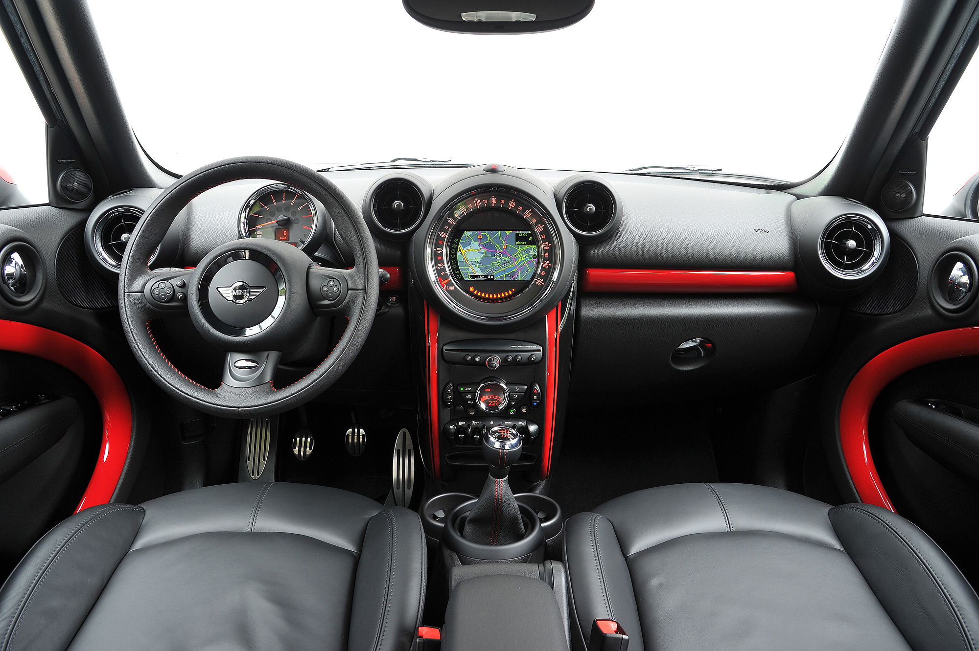 john cooper works mini countryman motoring middle east car news reviews and buying. Black Bedroom Furniture Sets. Home Design Ideas