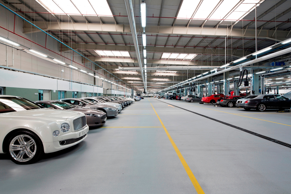 World S Biggest Bentley Workshop In Dubai Motoring