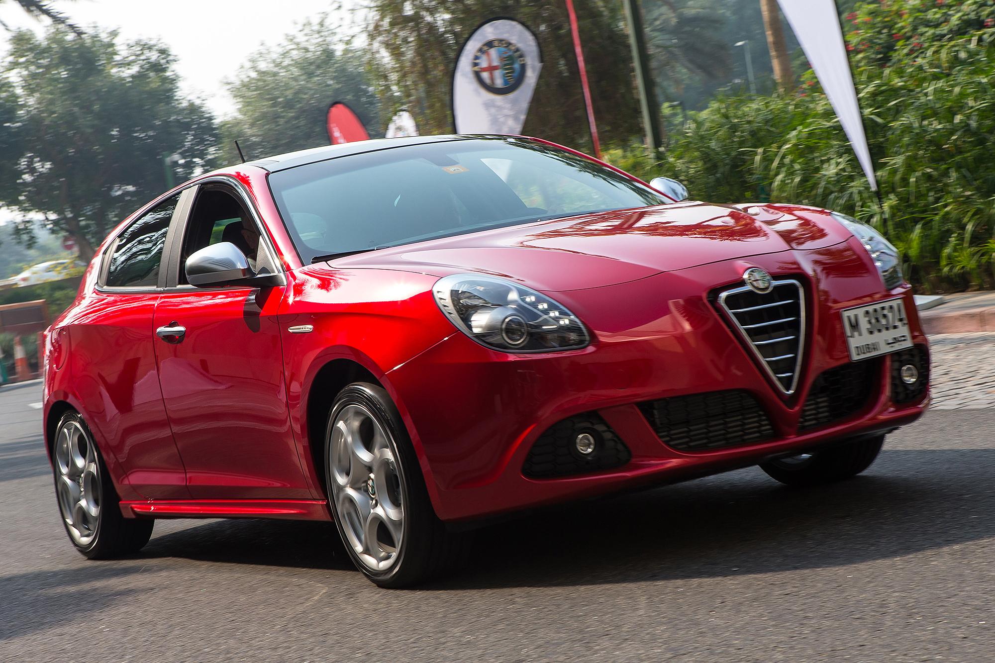 Alfa Romeo Giulietta Review - Motoring Middle East: Car news ... on giulietta and romeo, uggs on sale men's romeo, things that describe romeo, alpha romeo, ver videos de romeo, alpine romeo, marseille romeo,