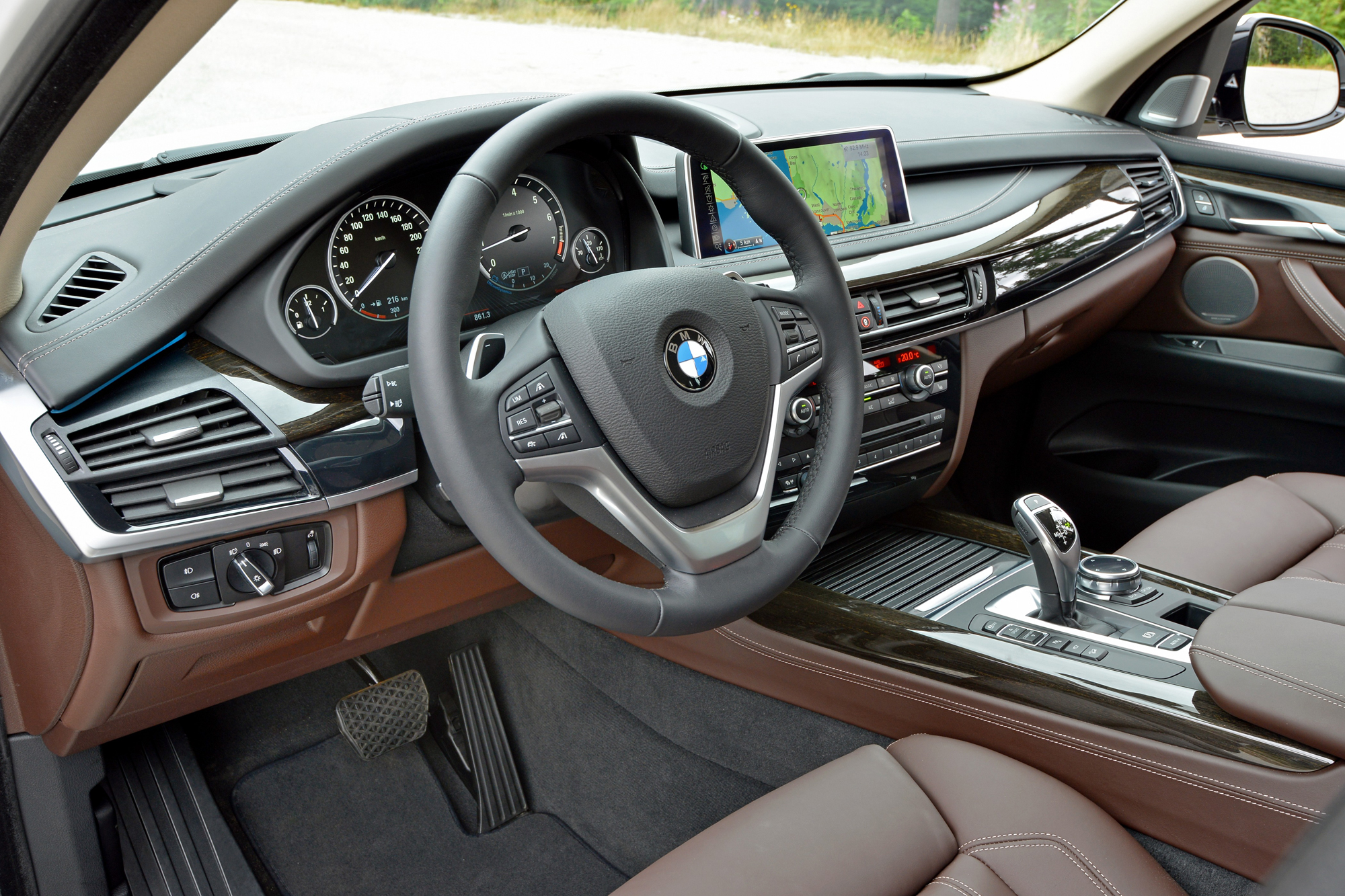 BMW X XDrive I Review Motoring Middle East Car News - 2013 bmw x5 50i
