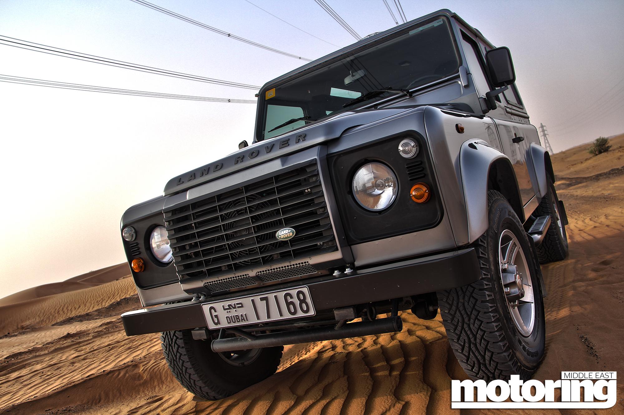 http://www.motoringme.com/wp-content/uploads/2013/09/Land-Rover-Defender-90-14.jpg