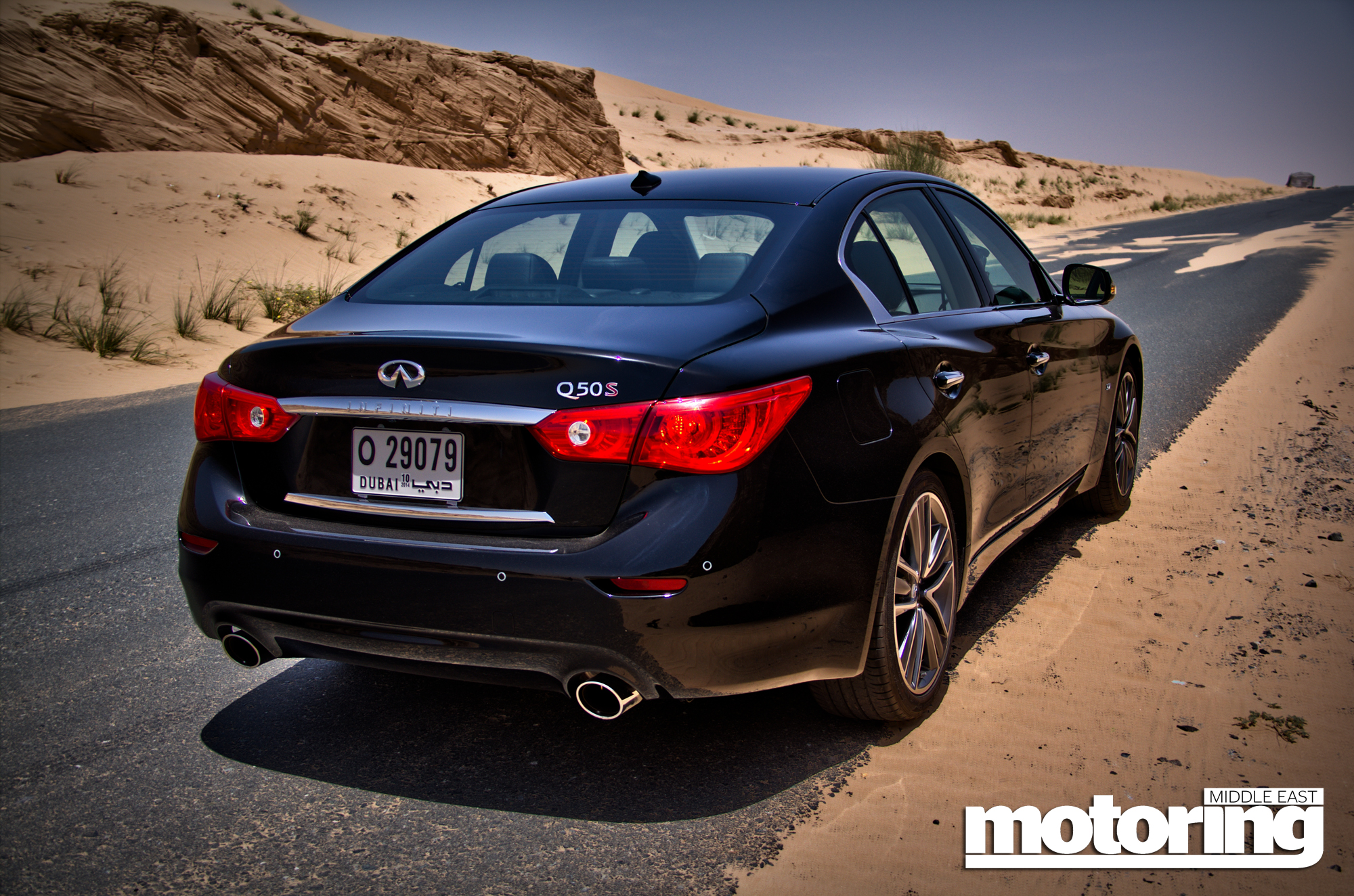 2014 infiniti q50 review specs and prices in the middle. Black Bedroom Furniture Sets. Home Design Ideas