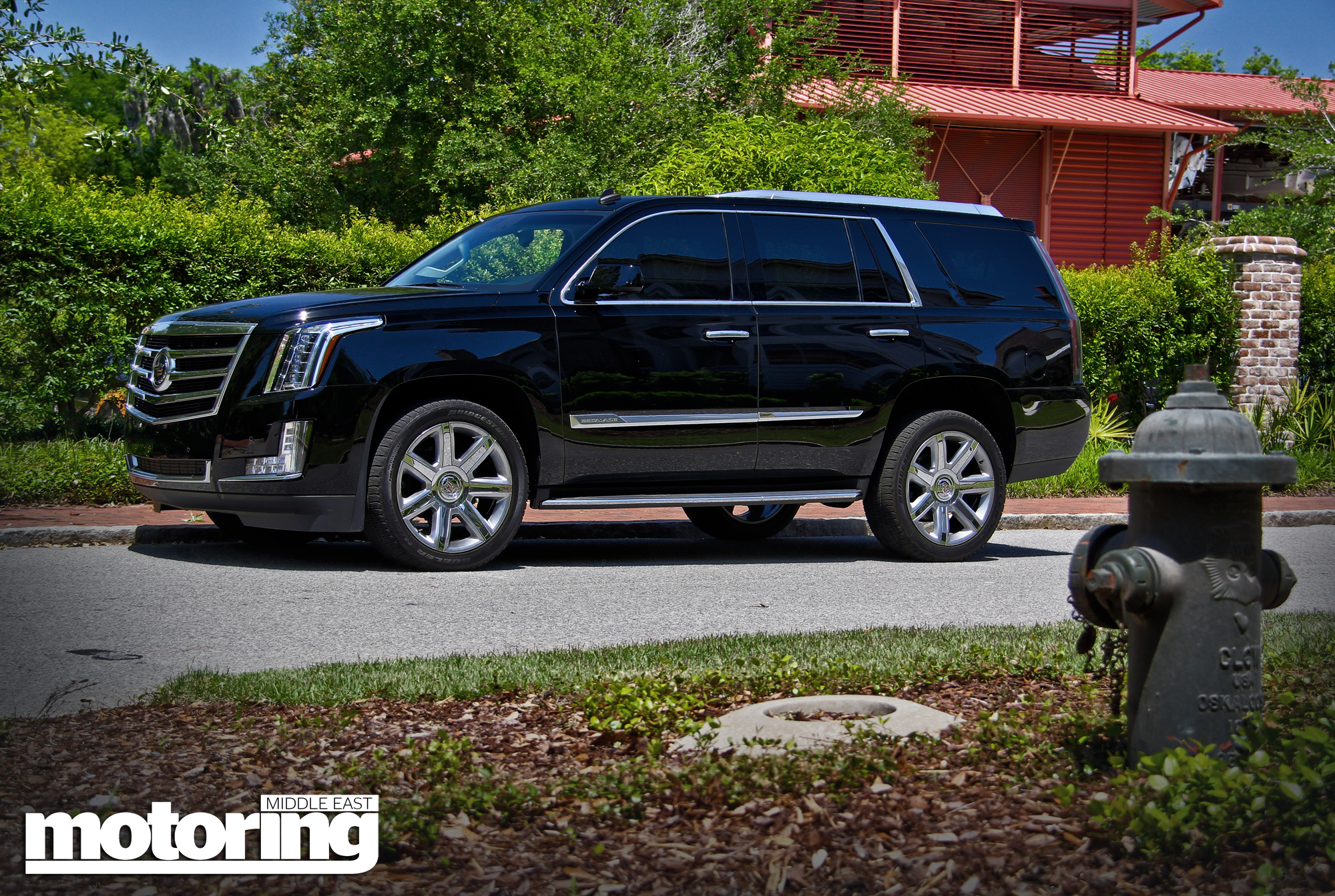the east drive escalademotoring car first cadillac middle reviews escalade of truck