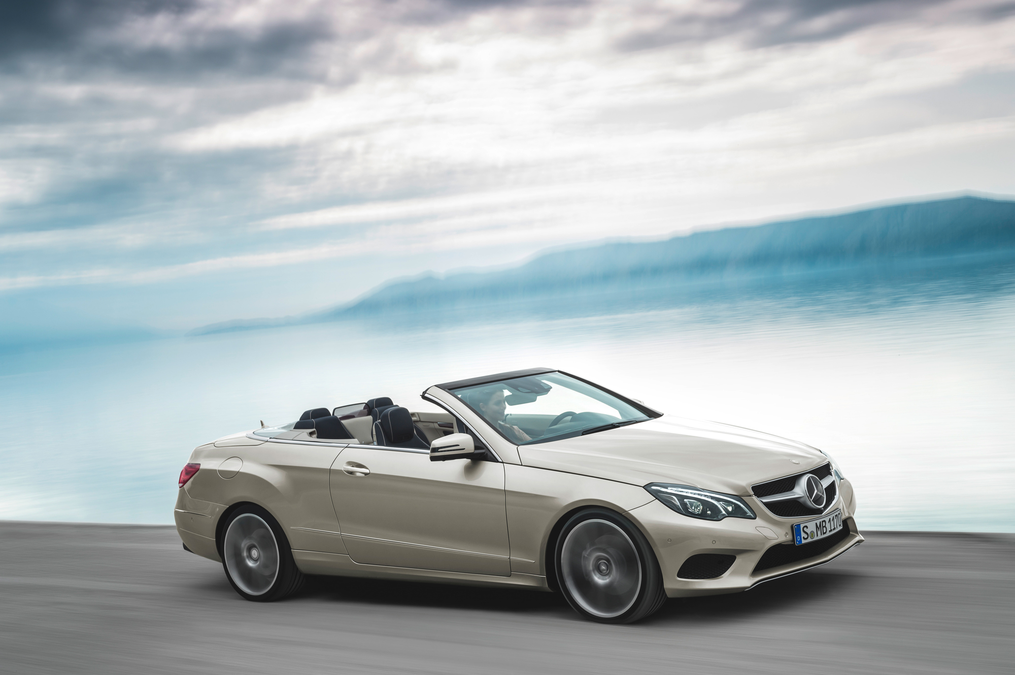 Review prices spec for 2014 Mercedes E400 CabrioletMotoring Middle