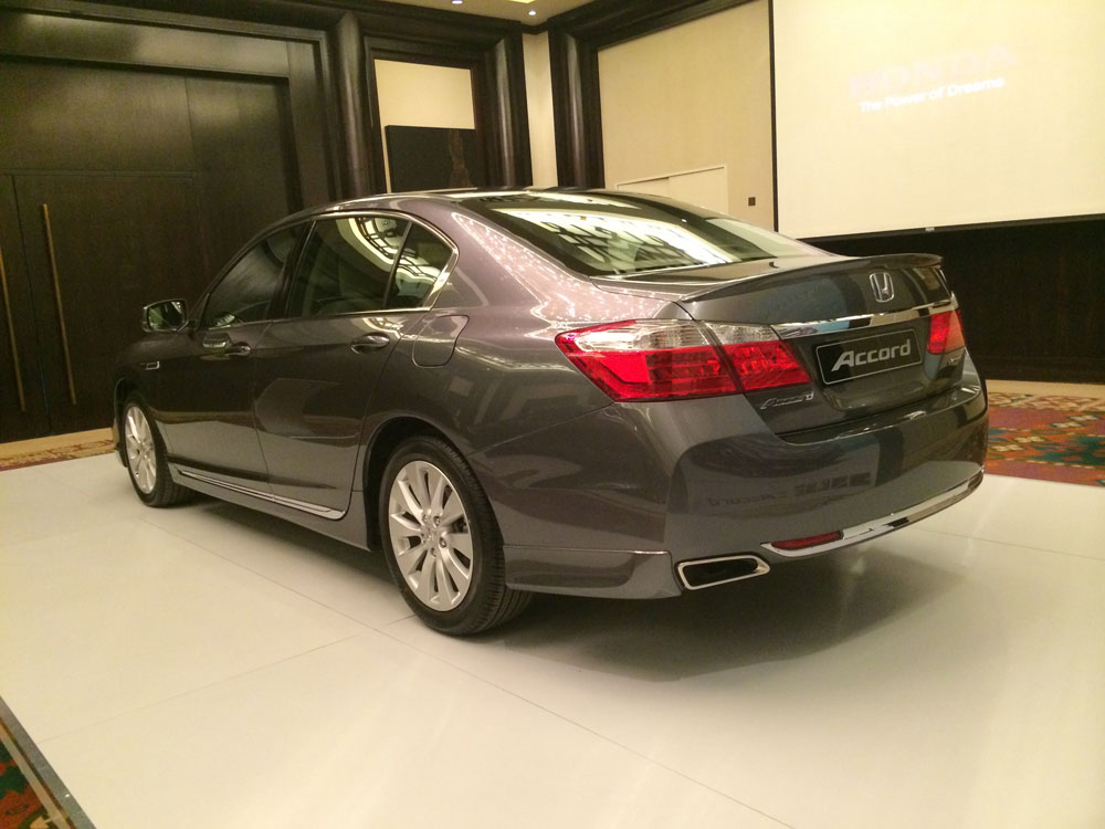 2015 Honda Accord Gets New Engine CVT GearboxMotoring Middle East Car News