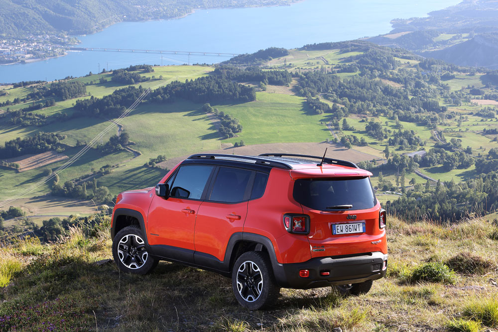 2015 jeep renegade reviewmotoring middle east car news reviews and buying guides. Black Bedroom Furniture Sets. Home Design Ideas