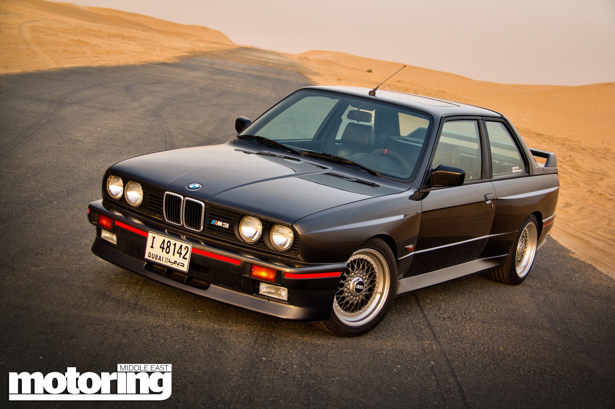 1987 bmw e30 m3 driven in dubai video motoring middle. Black Bedroom Furniture Sets. Home Design Ideas