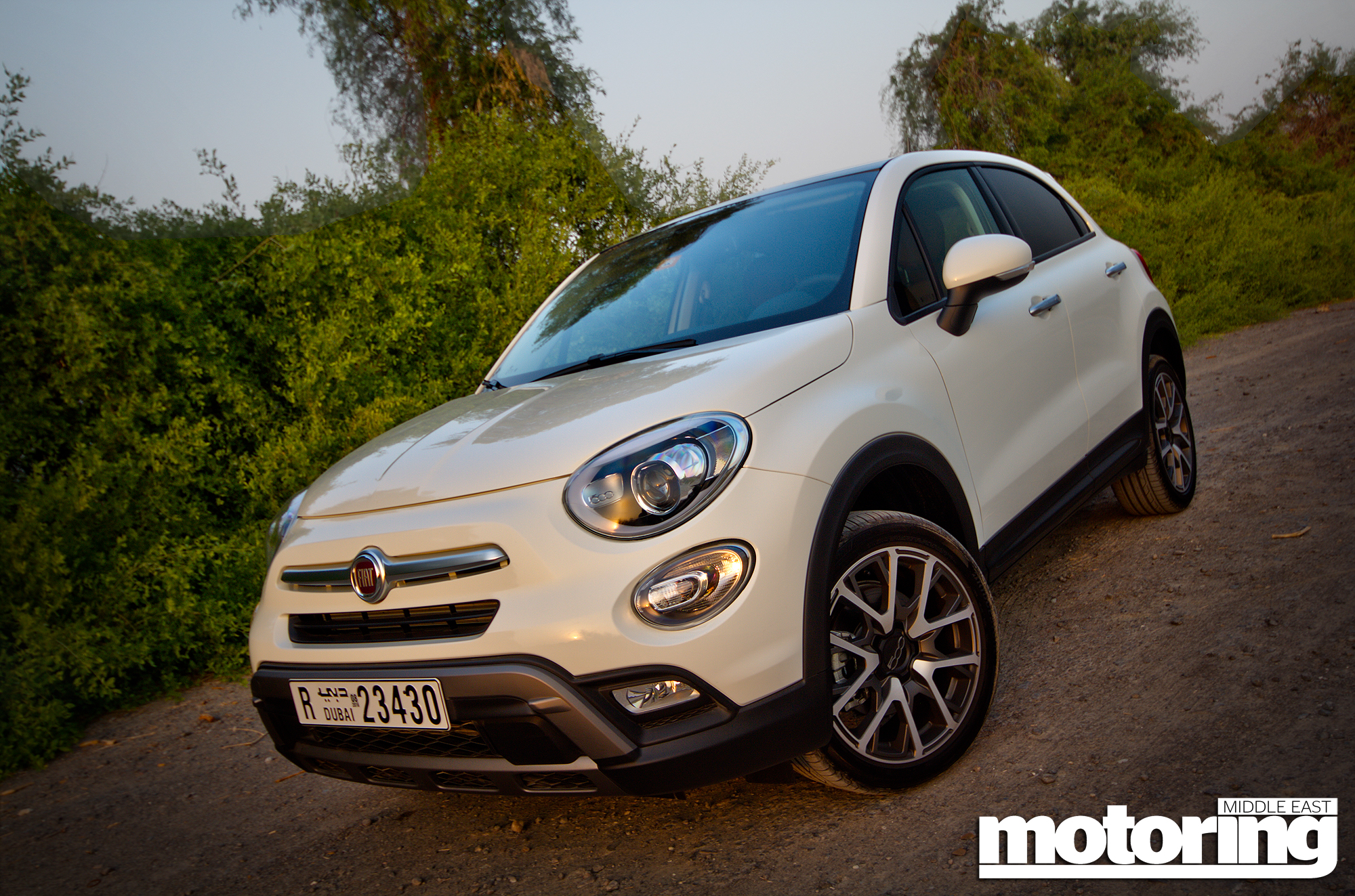 fiat 500x cross plus video reviewmotoring middle east car. Black Bedroom Furniture Sets. Home Design Ideas